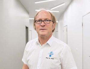 Prof. Dr. med. Wolfgang Wahl*